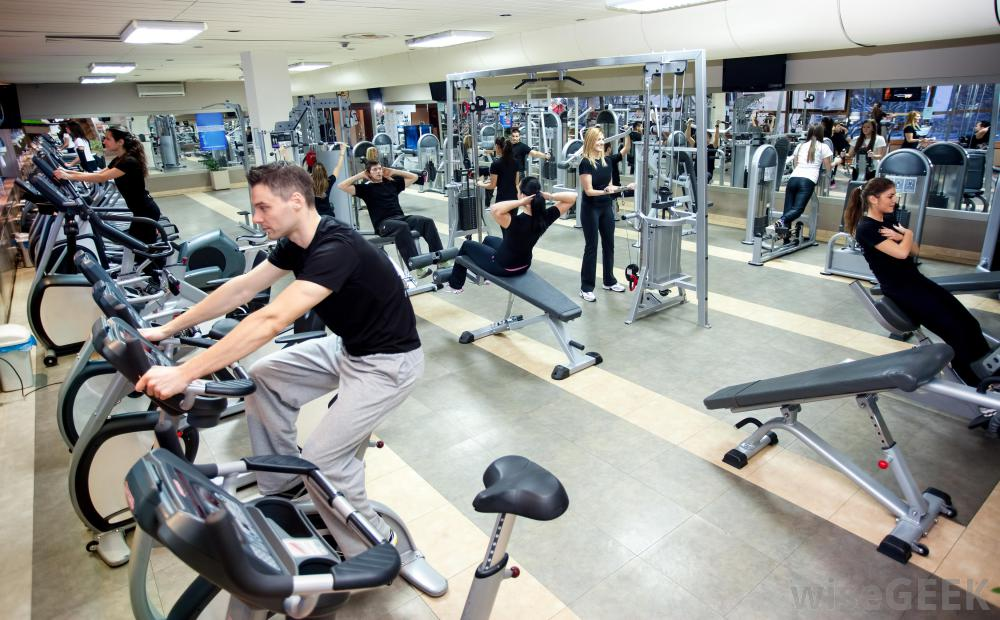 gym-with-people-on-machines